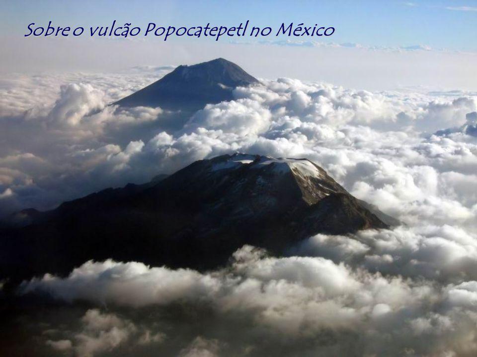Sobre o vulcão Popocatepetl no México