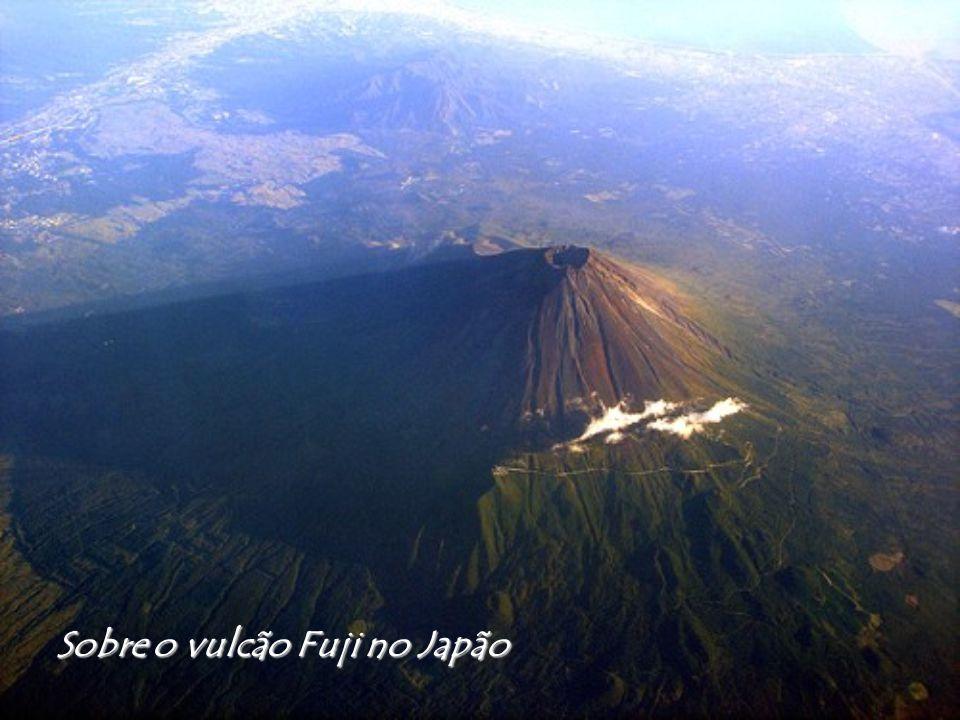 Sobre o vulcão Fuji no Japão