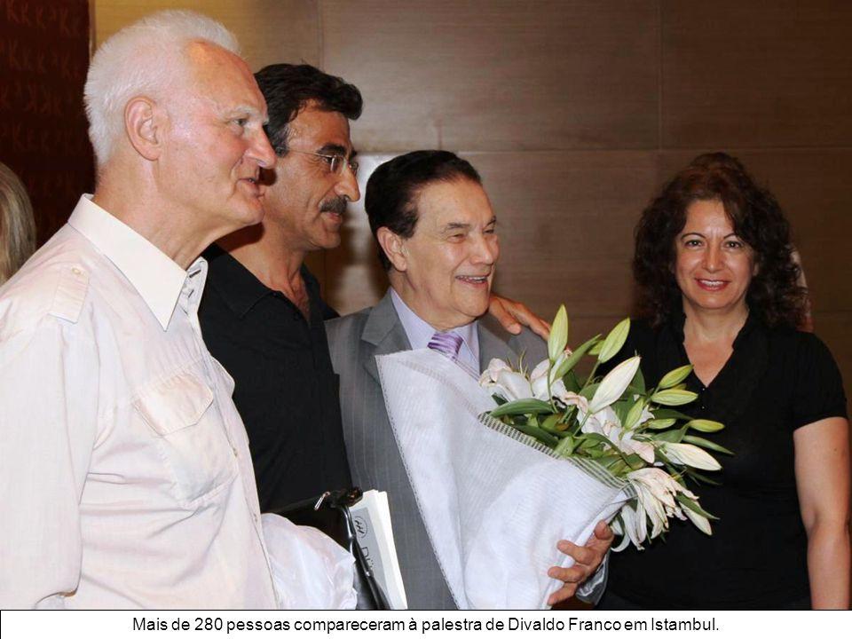 Mais de 280 pessoas compareceram à palestra de Divaldo Franco em Istambul.