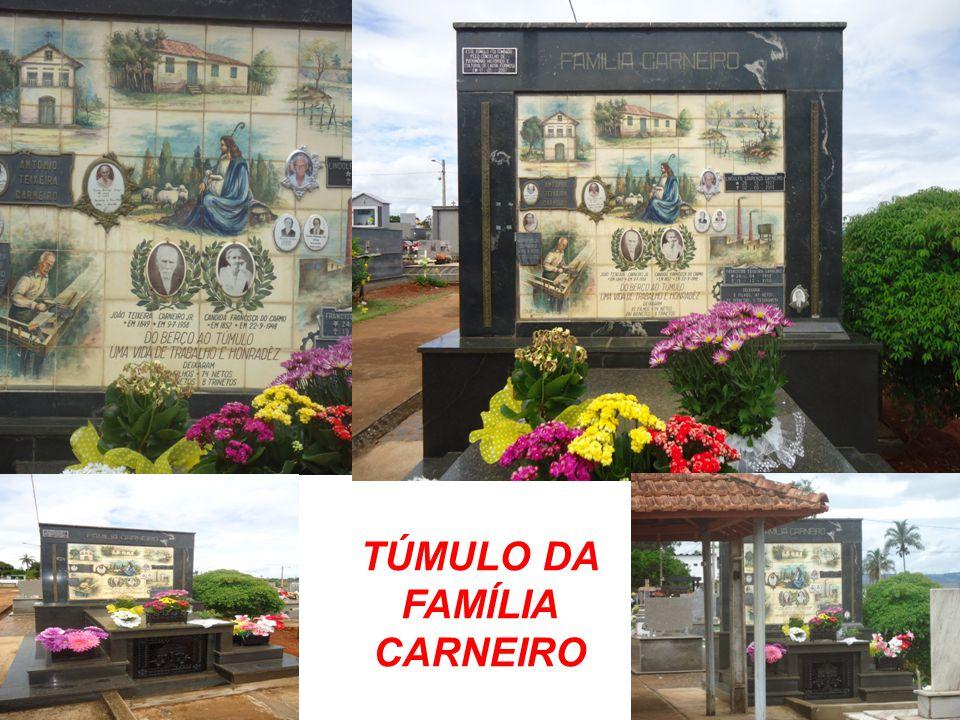TÚMULO DA FAMÍLIA CARNEIRO