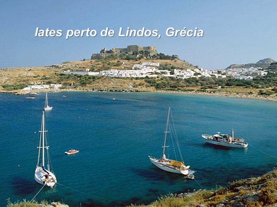 Iates perto de Lindos, Grécia