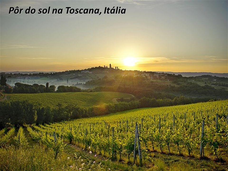 Pôr do sol na Toscana, Itália
