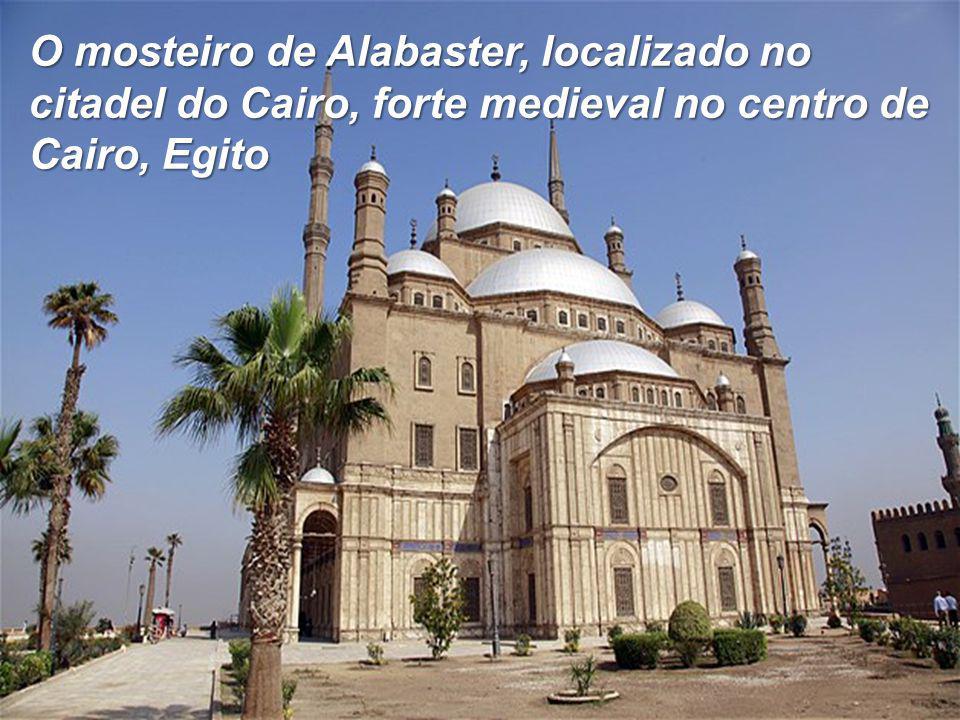 O mosteiro de Alabaster, localizado no citadel do Cairo, forte medieval no centro de Cairo, Egito