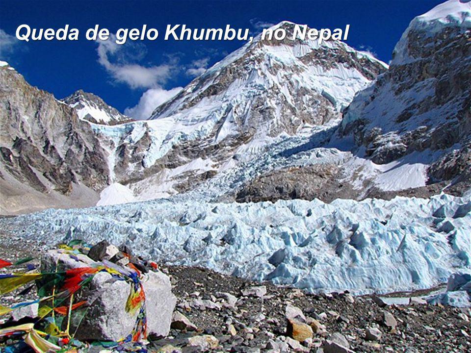 Queda de gelo Khumbu, no Nepal