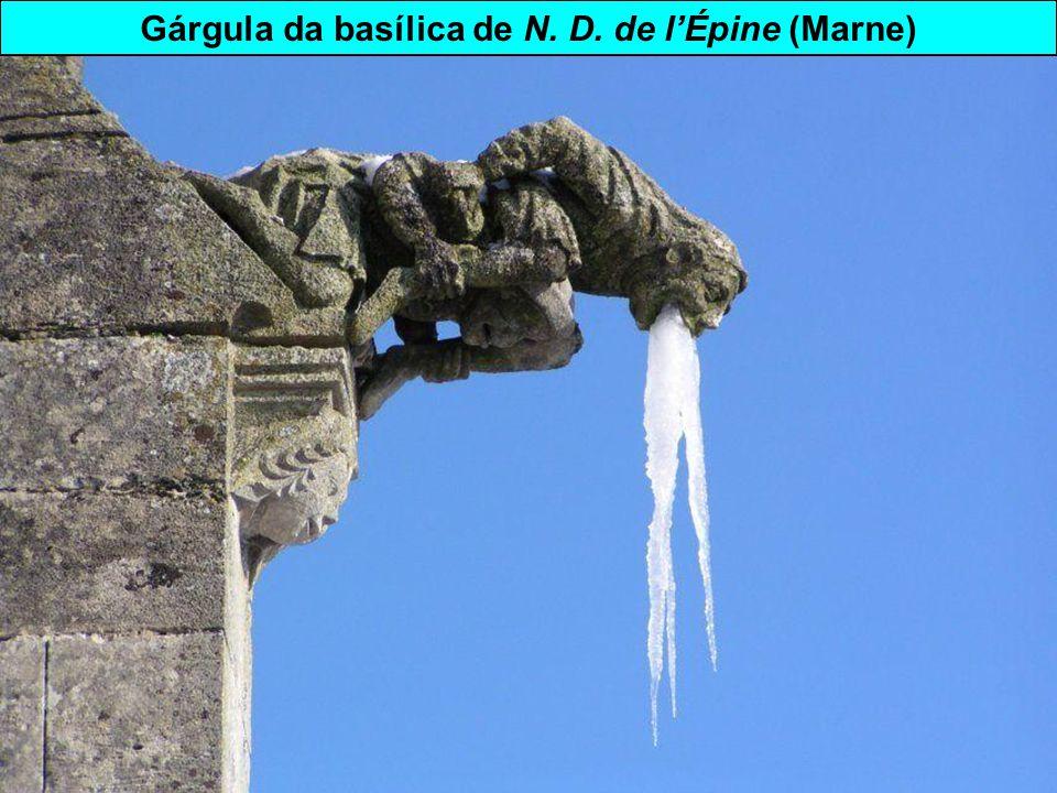 Gárgula da basílica de N. D. de l'Épine (Marne)