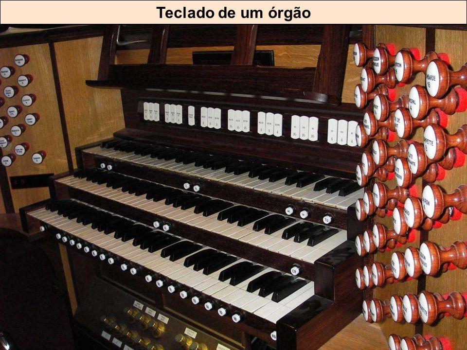 Teclado de um órgão