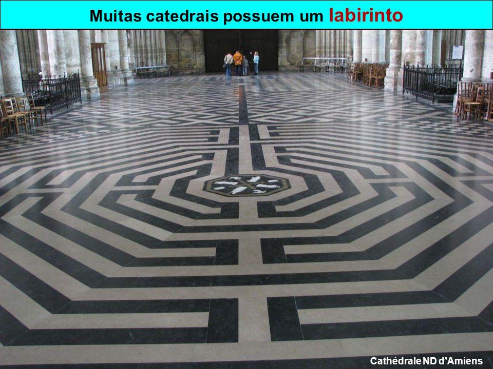 Muitas catedrais possuem um labirinto Cathédrale ND d'Amiens