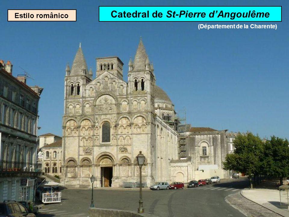 Catedral de St-Pierre d'Angoulême (Département de la Charente)