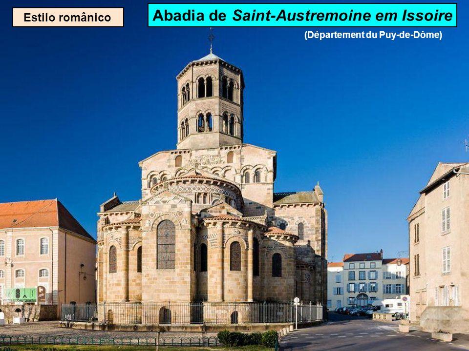 Abadia de Saint-Austremoine em Issoire (Département du Puy-de-Dôme)