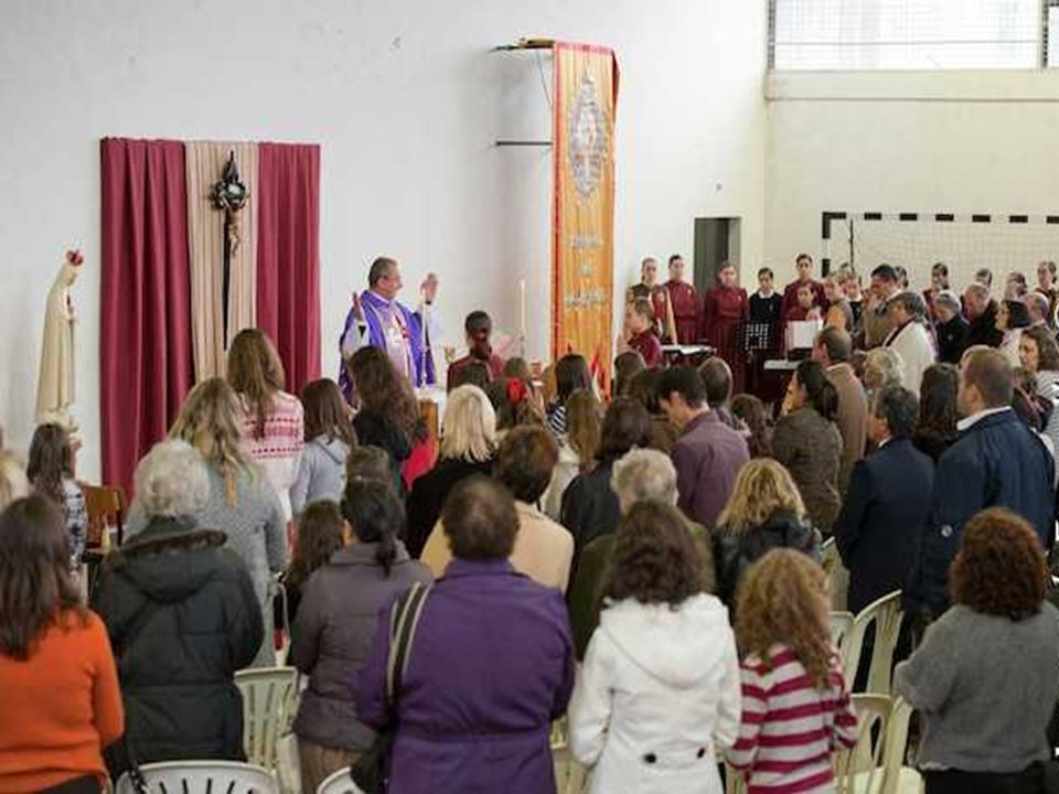 - Na SAGRADA LITURGIA... a Eucaristia é o lugar privilegiado