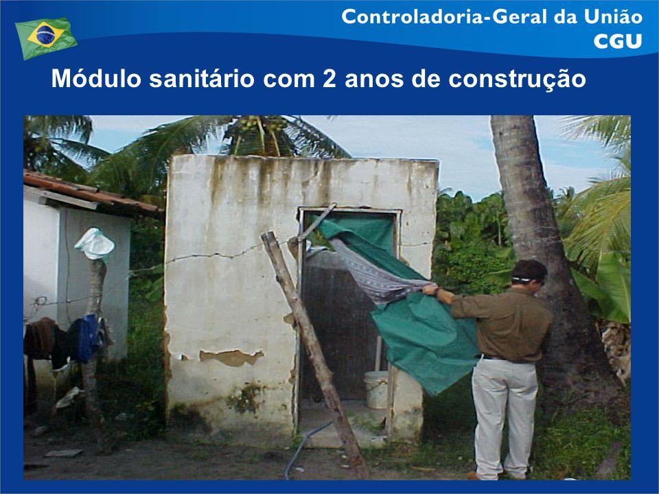Módulo sanitário com 2 anos de construção