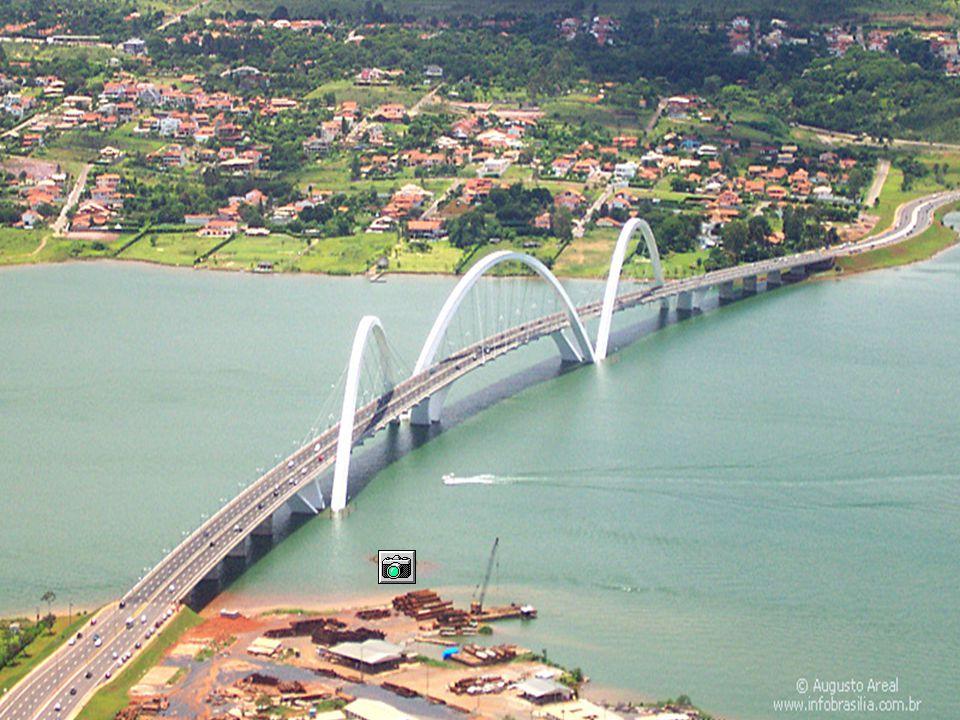 Juscelino Kubitschek Bridge, in Brasília, Brazil