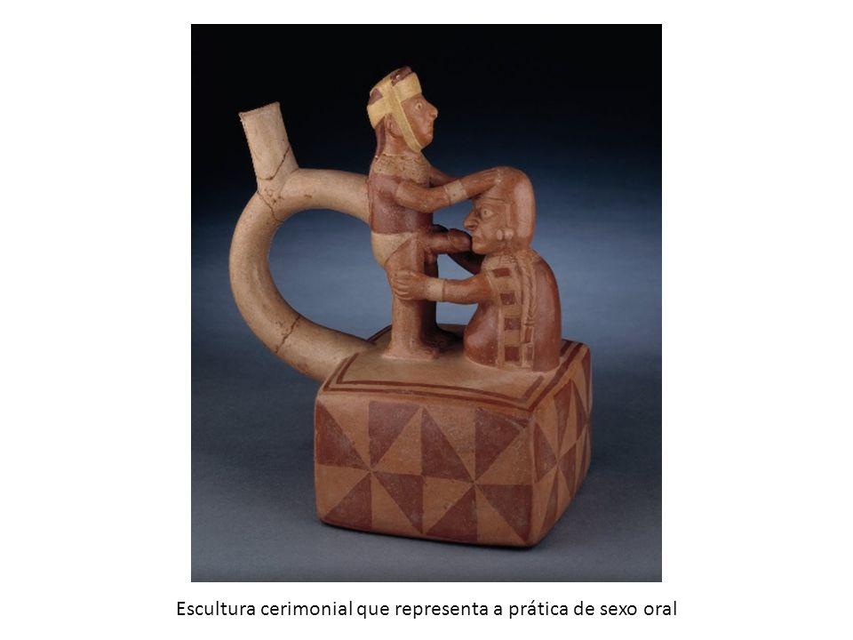 Escultura cerimonial que representa a prática de sexo oral