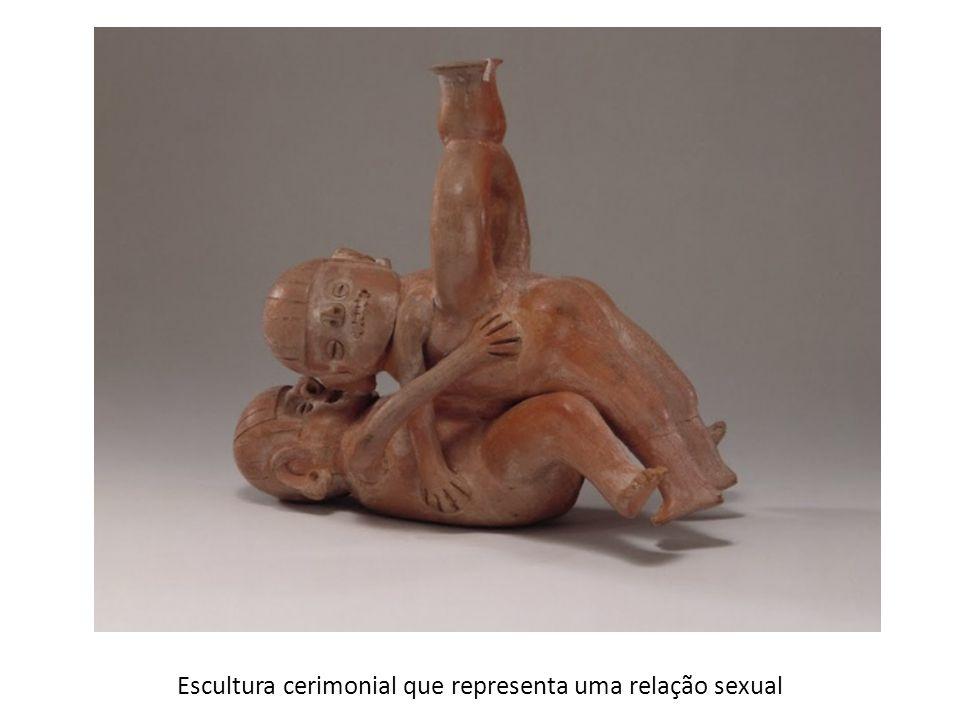 Escultura cerimonial que representa uma relação sexual