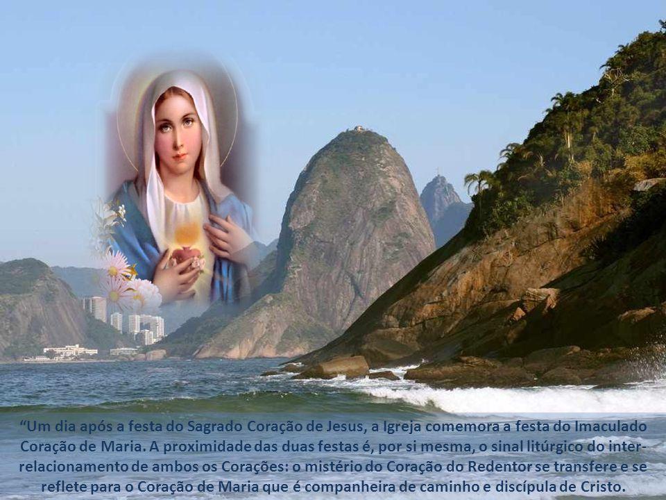 Um dia após a festa do Sagrado Coração de Jesus, a Igreja comemora a festa do Imaculado Coração de Maria.