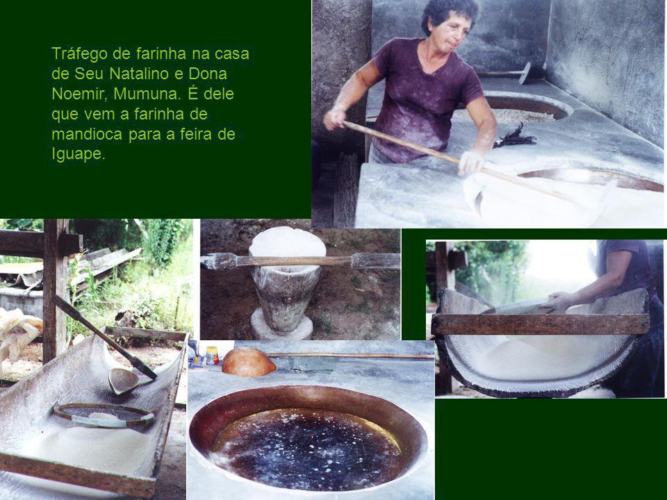 Tráfego de farinha na casa de Seu Natalino e Dona Noemir, Mumuna