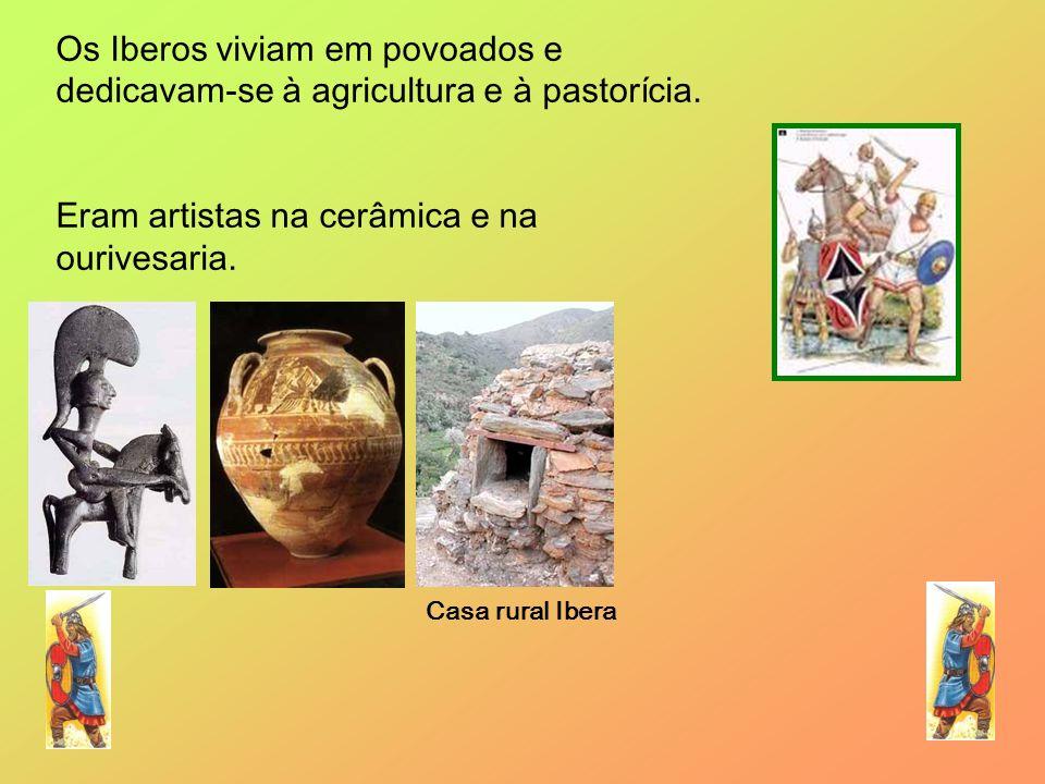 Eram artistas na cerâmica e na ourivesaria.