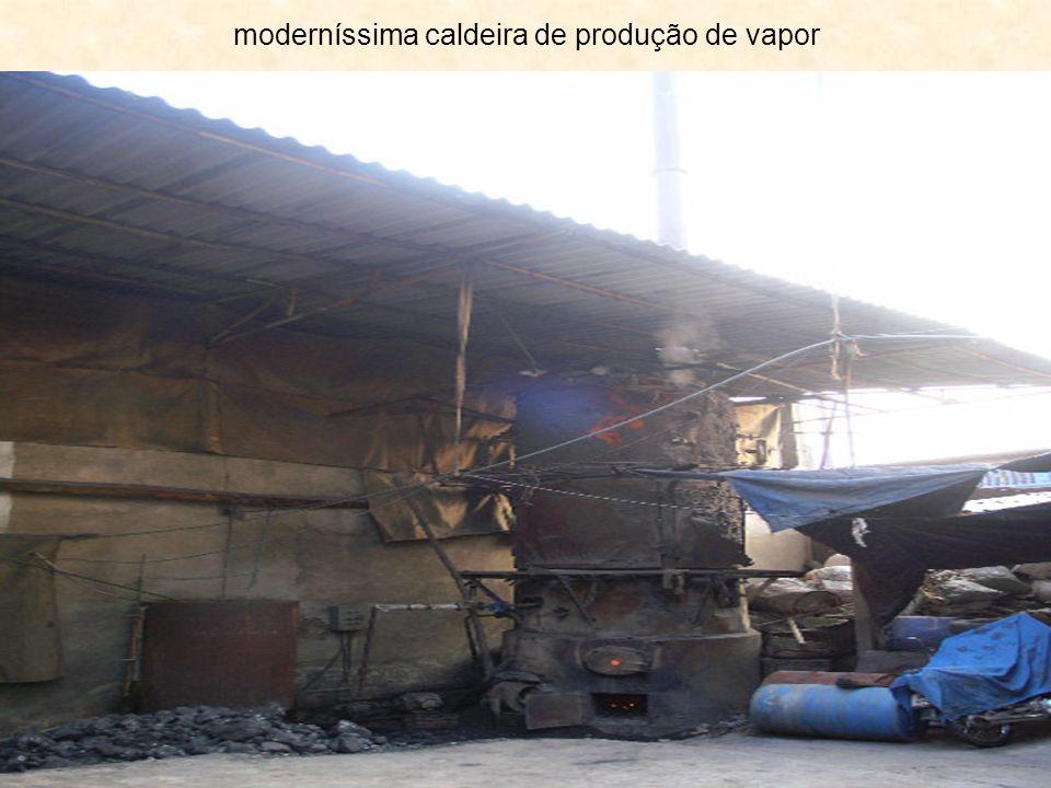 moderníssima caldeira de produção de vapor