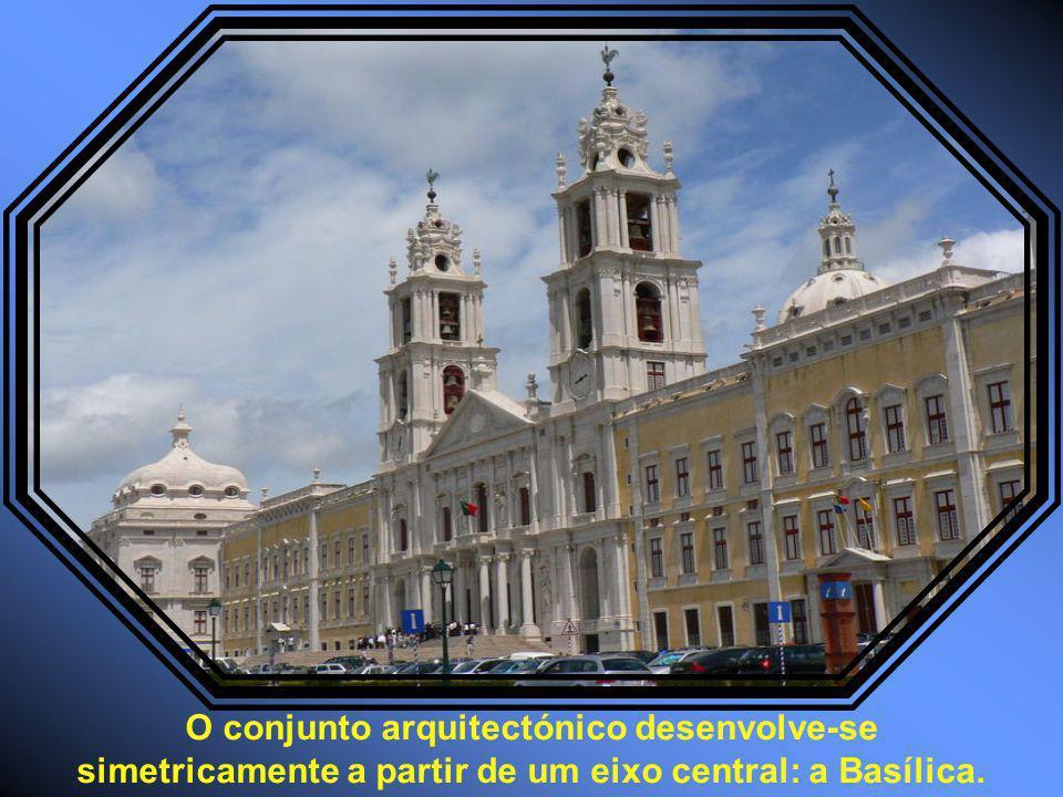 O conjunto arquitectónico desenvolve-se simetricamente a partir de um eixo central: a Basílica.