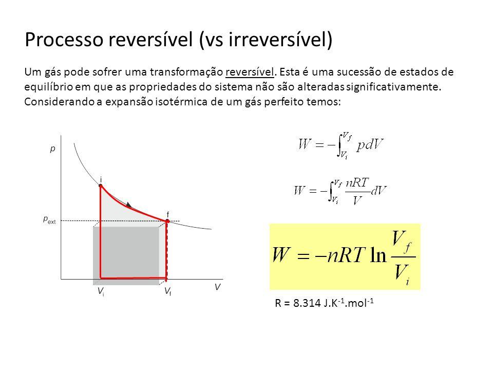 Processo reversível (vs irreversível)