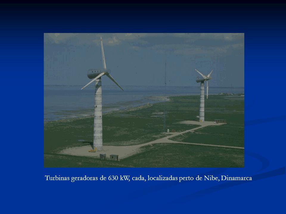 Turbinas geradoras de 630 kW, cada, localizadas perto de Nibe, Dinamarca