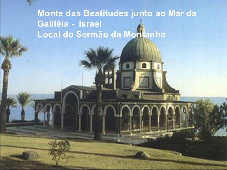 Monte das Beatitudes junto ao Mar da