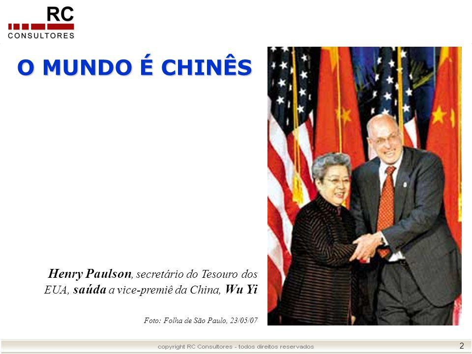 O MUNDO É CHINÊS Henry Paulson, secretário do Tesouro dos EUA, saúda a vice-premiê da China, Wu Yi.