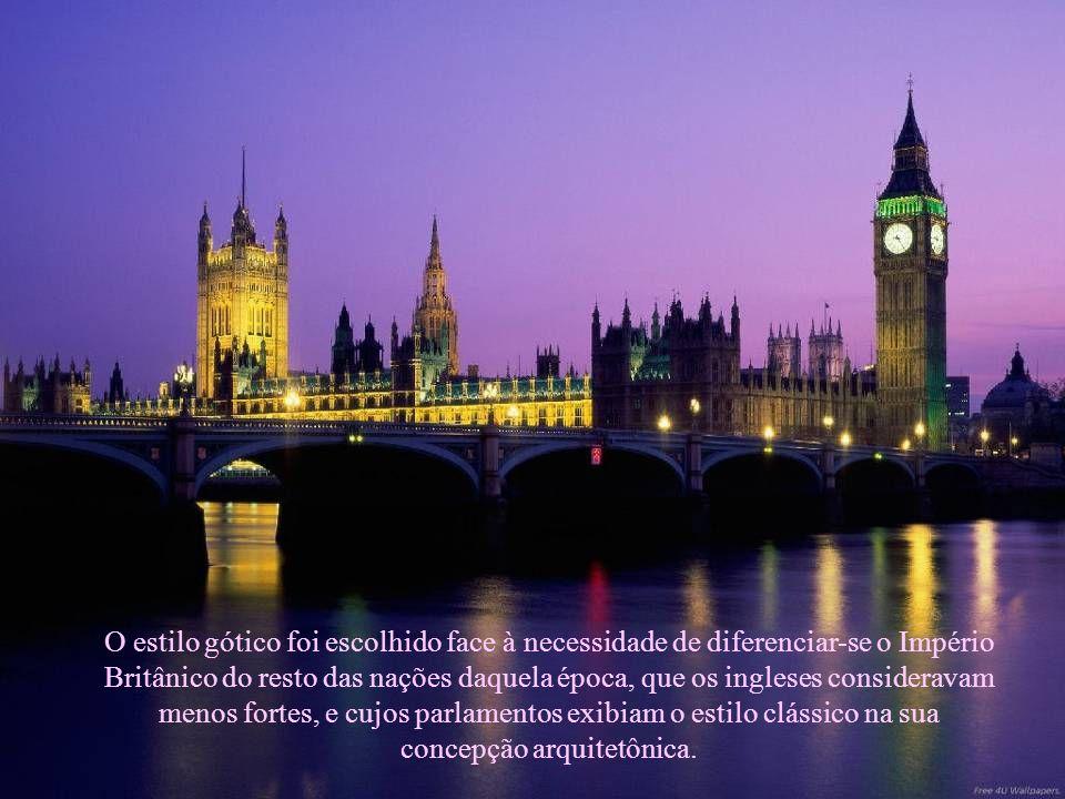 O estilo gótico foi escolhido face à necessidade de diferenciar-se o Império Britânico do resto das nações daquela época, que os ingleses consideravam menos fortes, e cujos parlamentos exibiam o estilo clássico na sua concepção arquitetônica.