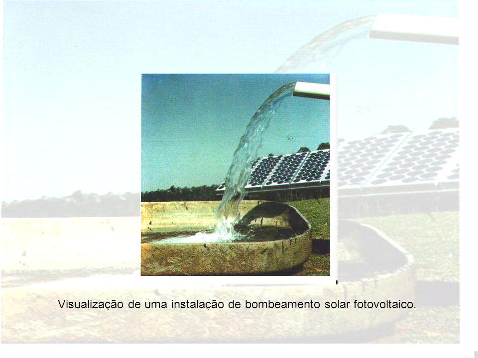 Visualização de uma instalação de bombeamento solar fotovoltaico.