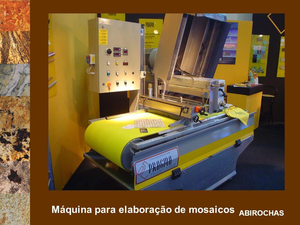 Máquina para elaboração de mosaicos