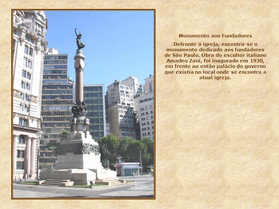 Monumento aos Fundadores
