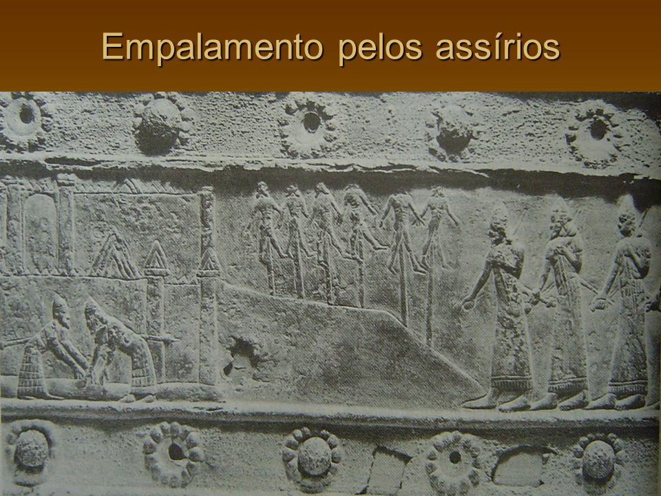 Empalamento pelos assírios