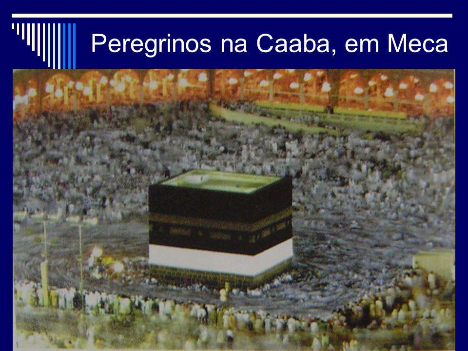 Peregrinos na Caaba, em Meca