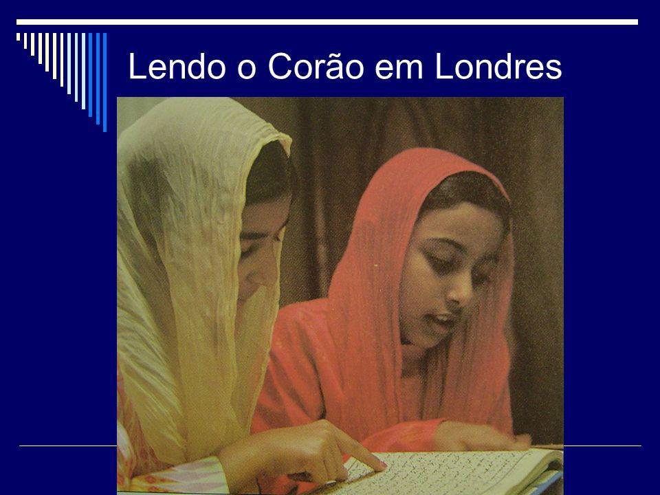 Lendo o Corão em Londres