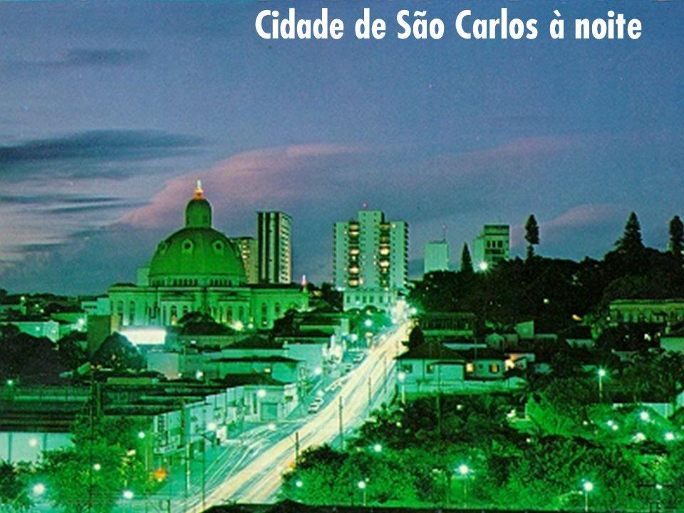 Cidade de São Carlos à noite