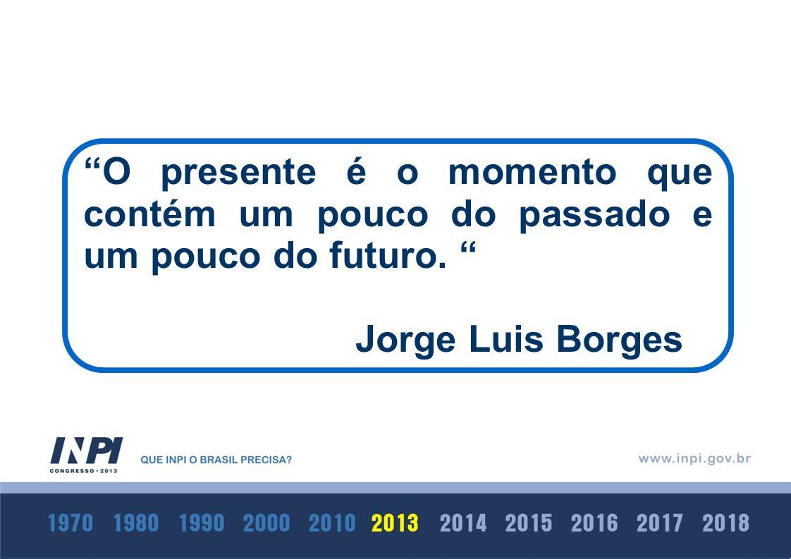 O presente é o momento que contém um pouco do passado e um pouco do futuro.