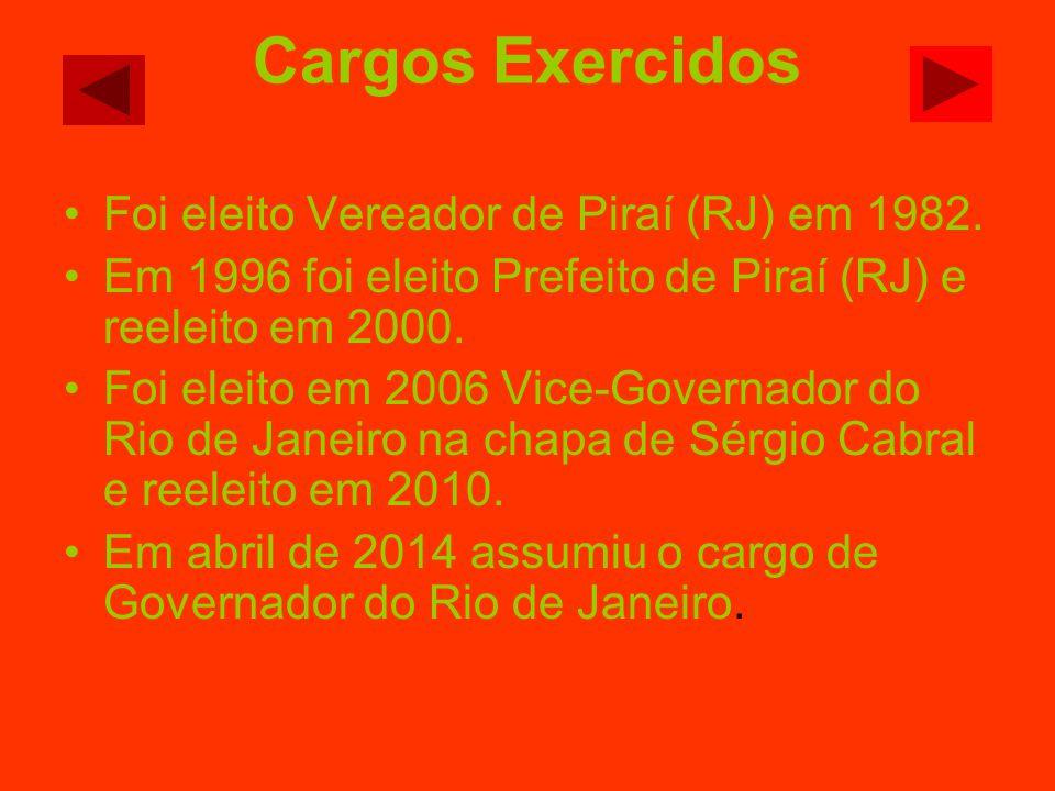 Cargos Exercidos Foi eleito Vereador de Piraí (RJ) em 1982.