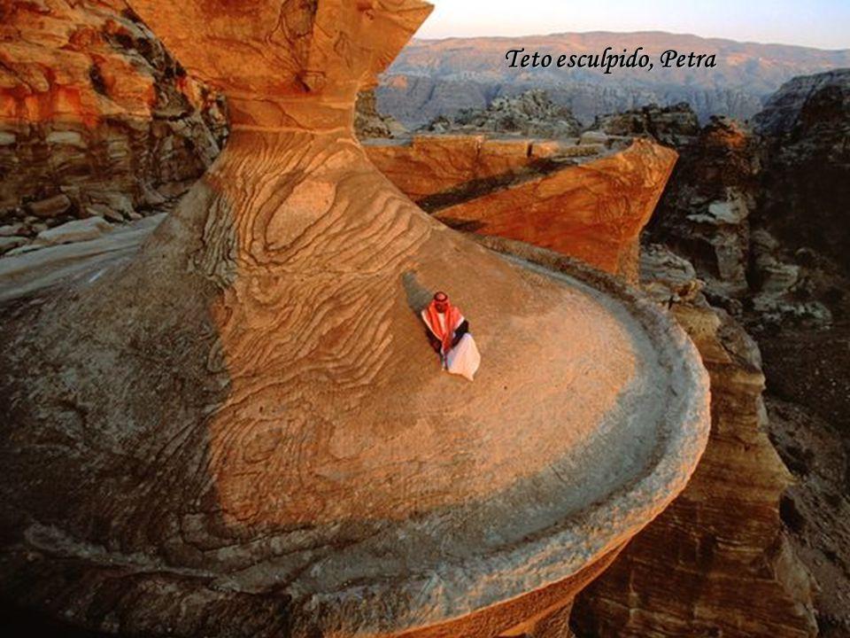 Teto esculpido, Petra