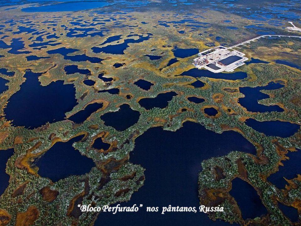 Bloco Perfurado nos pântanos, Russia