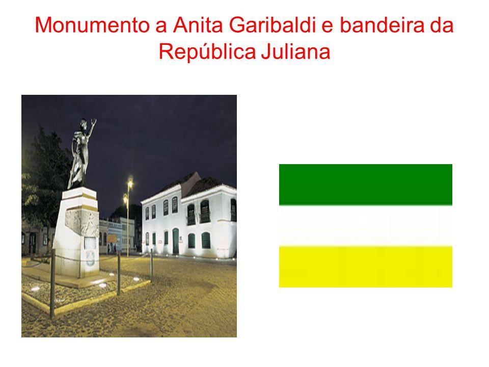 Monumento a Anita Garibaldi e bandeira da República Juliana