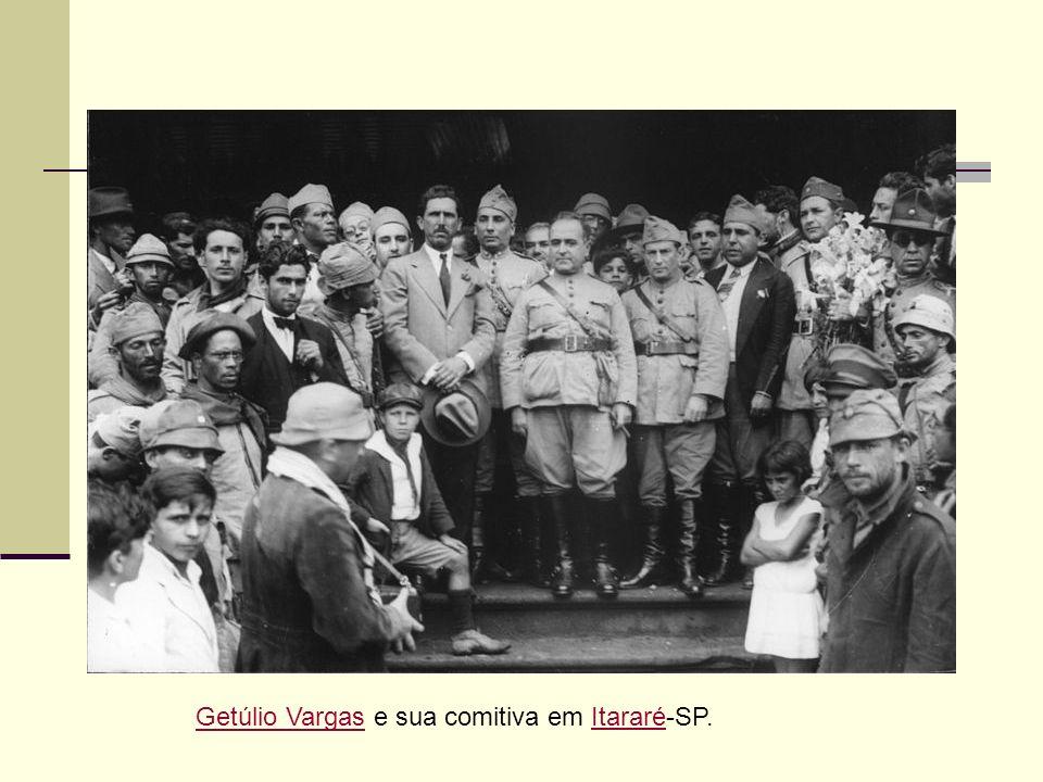 Getúlio Vargas e sua comitiva em Itararé-SP.