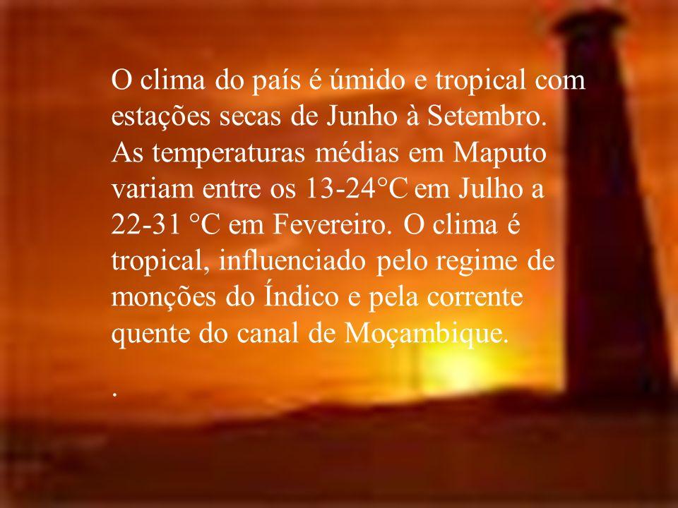 O clima do país é úmido e tropical com estações secas de Junho à Setembro. As temperaturas médias em Maputo variam entre os 13-24°C em Julho a 22-31 °C em Fevereiro. O clima é tropical, influenciado pelo regime de monções do Índico e pela corrente quente do canal de Moçambique.