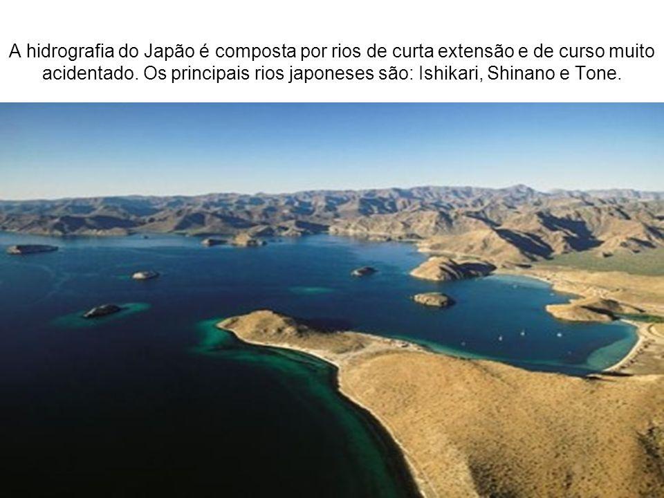A hidrografia do Japão é composta por rios de curta extensão e de curso muito acidentado.