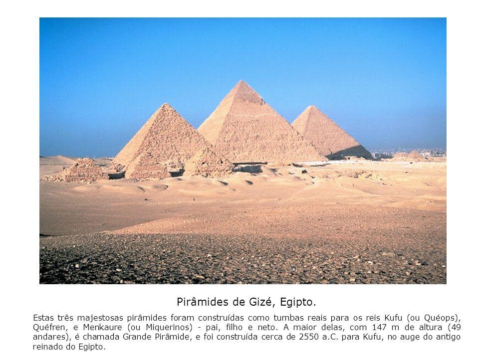 Pirâmides de Gizé, Egipto.