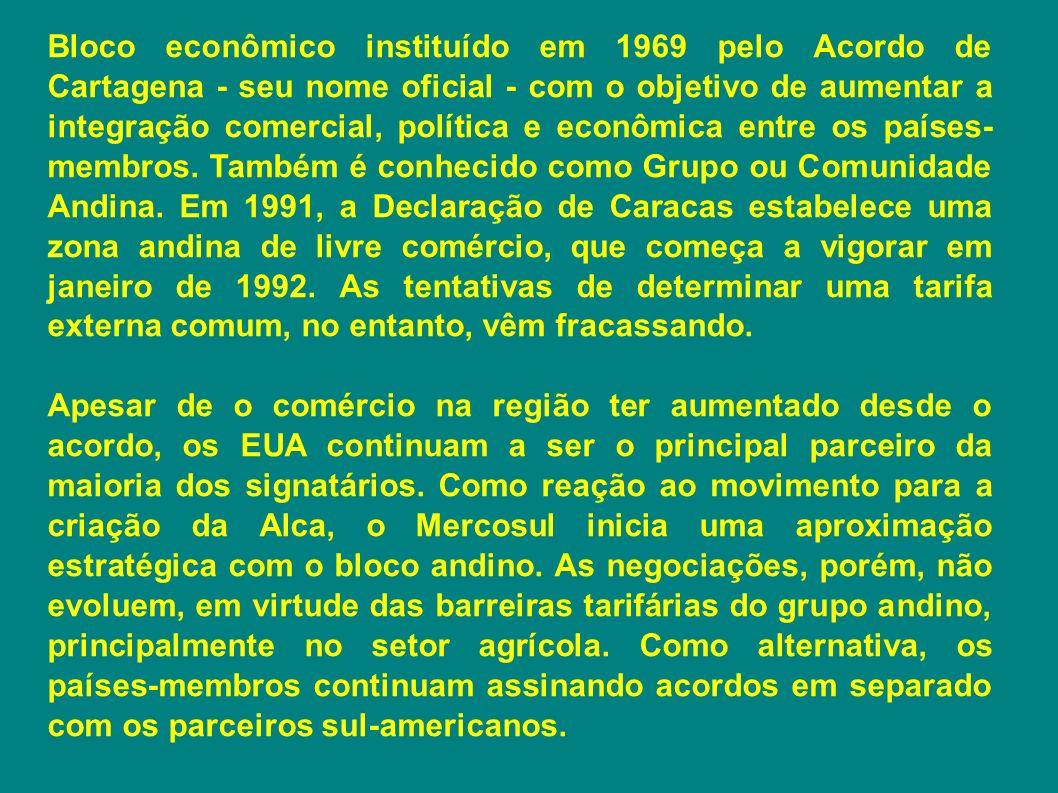 Bloco econômico instituído em 1969 pelo Acordo de Cartagena - seu nome oficial - com o objetivo de aumentar a integração comercial, política e econômica entre os países-membros. Também é conhecido como Grupo ou Comunidade Andina. Em 1991, a Declaração de Caracas estabelece uma zona andina de livre comércio, que começa a vigorar em janeiro de 1992. As tentativas de determinar uma tarifa externa comum, no entanto, vêm fracassando.