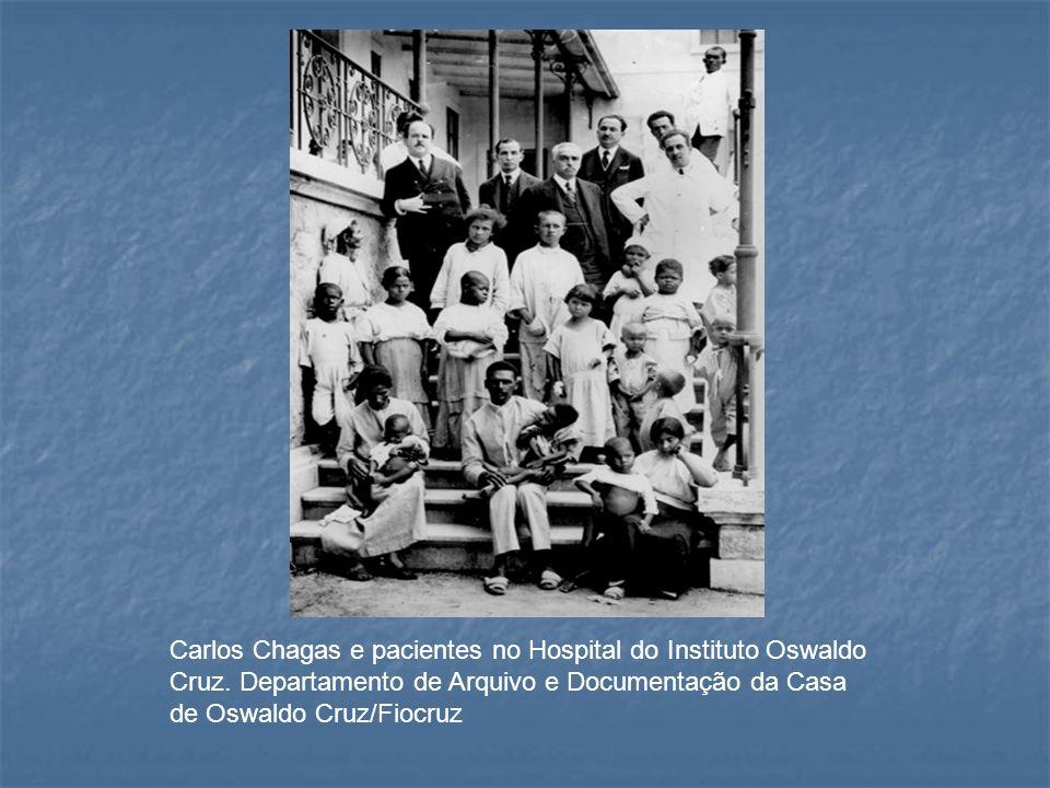 Carlos Chagas e pacientes no Hospital do Instituto Oswaldo Cruz