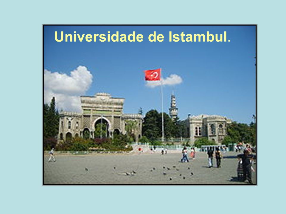 Universidade de Istambul.