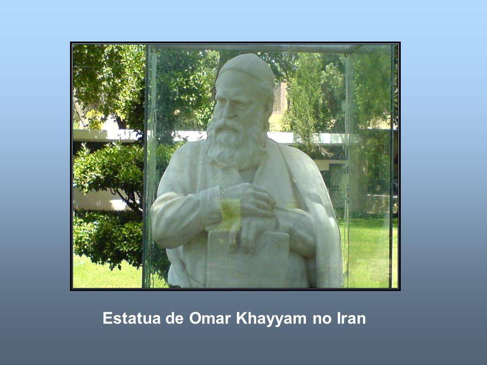 Estatua de Omar Khayyam no Iran