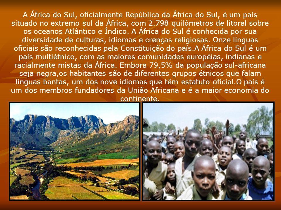 A África do Sul, oficialmente República da África do Sul, é um país situado no extremo sul da África, com 2.798 quilômetros de litoral sobre os oceanos Atlântico e Índico.