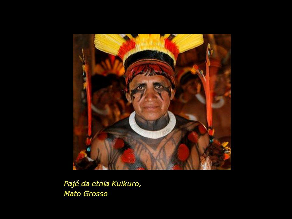 Pajé da etnia Kuikuro, Mato Grosso
